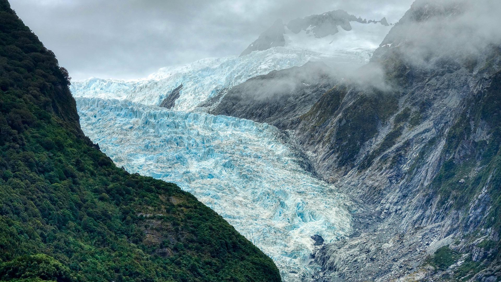 Tourism Advisory New Zealand_Tourism Destination_Must Visit Places in New Zealand 2021glacier-5669423_1920