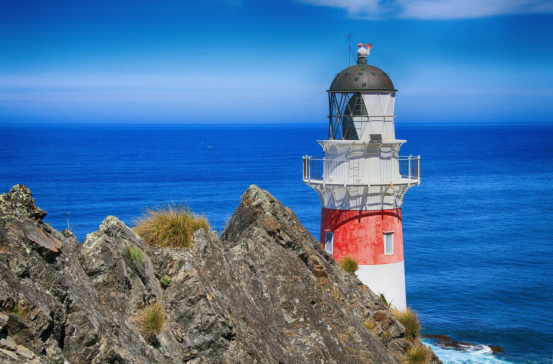 Tourism Advisory New Zealand_Tourism Destination_Must Visit Places in New Zealand 2021lighthouse-93487_1920